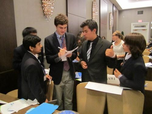 UNEP delegates caucusing