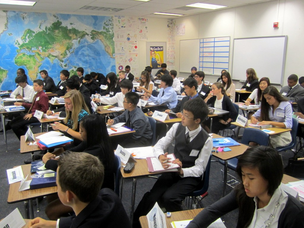 Smaller committees in a classroom setting makes it easier for students to learn Model UN