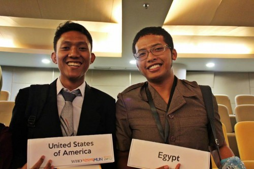 Ahmad Reza Mardian (left) as delegate of USA for WHO at IMUN 2013