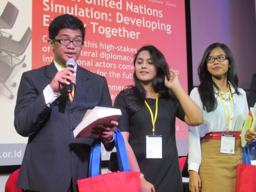 Left to right: delegate of Turkmenistan (Honorable Mention), delegate of Ethiopia (Outstanding), and delegate of Japan (Best Delegate)