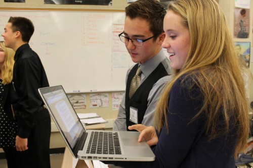 Colombia (Mira Costa) and Portugal (Edison) use the online resolution database to type up their working paper