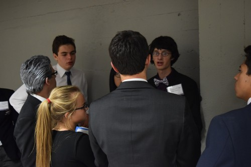 Unmoderated caucus in Lyndon B. Johnson's cabinet (historical crisis)