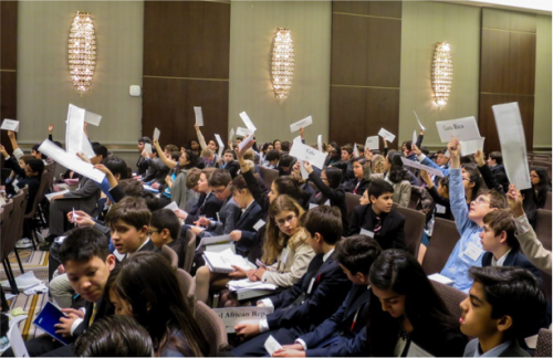 Delegates vote on a controversial working paper.