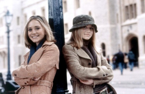 Mary-Kate and Ashley Olsen attend a Model UN conference in the movie Winning London