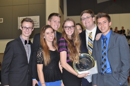 Santa Margarita Catholic High School is an example of a school that attends both competitive, awards-centric conferences and non-competitive, education-focused conferences. Their own conference, SOCOMUN, has a mix of both philosophies.