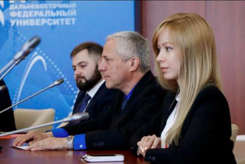 MUN of the Russian Far East hosts Mr. Bill Yotive for UN4MUN training